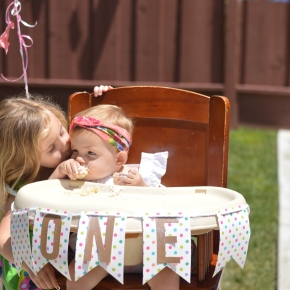 A Doughnut Garden Party for Kenzie :: 1 Years Old!